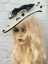 BEAUTIFUL BLACK CREAM FEATHER LINEN FASCINATOR HAT HEADBAND ASCOT WEDDING NEW