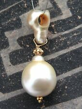 22k GOLD SOUTH SEA GOLDEN CREAM KESHI & CULTURED PEARL PENDANT