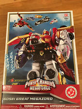 Power Rangers Deluxe Megaforce Megazord  - Japanese version *** NEW IN BOX **