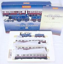 """Hornby OO """"THE CALEDONIAN"""" STEAM LOCOMOTIVE & 3x COMPOSITE COACH Limited Ed. MIB"""