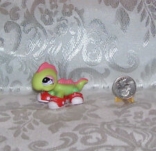 LITTLEST PET SHOP HASBRO #1861 IGUANA WITH SHOES! NEW  2010 *LOOSE*