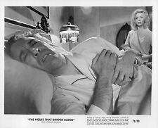 HOUSE THAT DRIPPED BLOOD CHRISTOPHER LEE NYREE DAWN PORTER ORI 1971 8X10