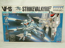 VF-1S Strike Valkyrie 1/55 scale Macross Variable Fighter Bandai Takatoku Japan
