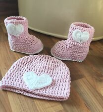 Handmade Baby Girl - Ugg Heart Boots & Hat Set - Pale Pink & White
