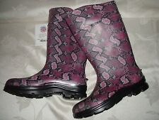 RANGER SERVUS BY HONEYWELL PINK/BLACK MULTI COLOR RAIN/BARN BOOTS SZ 11M USA NWT
