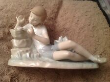 Vintage LLADRO Pleasant Encounter Boy With Bird Figurine