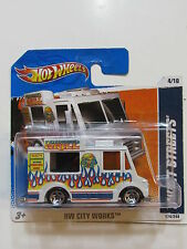 HOT WHEELS 2011 SWEET STREEATS - ICE CREAM TRUCK HW CITY WORKS SHORT CARD