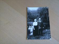 Foto AK 3K107 Älteres Paar beim Waldspaziergang ca. 14x9cm