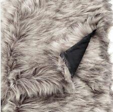 2€b     H&m Faux Fur Blanket 110 X 1150 Cm Wolf style fur