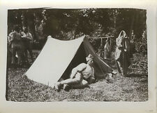 PHOTO ANCIENNE - VINTAGE SNAPSHOT - MILITAIRE CAMPEMENT TENTE REPOS - MILITARY