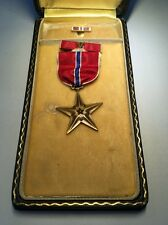 WWII US BRONZE STAR MEDAL SLOT BROOCH RIBBON BAR LAPEL PIN TITLED CASE ORIGINAL