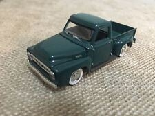1953 Ford F100 Pickup Yat Ming Road Signature Scale 1:64 Die cast Model Truck