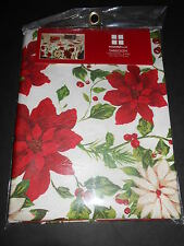Essential Home Christmas tablecloth Round NIP 70in Poinsettia