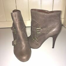 Jasper Conran light brown leather stiletto ankle boots in size 5 (38)