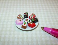 Miniature Christmas Petit Fours Glaces: DOLLHOUSE Miniatures 1/12 Scale