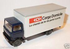 WIKING HO 1/87 CAMION MERCEDES CARGO DOMICILE LE CHEMIN DE FER DE PORTE A PORTE