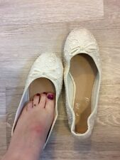 Well Worn Shoes Size 7/FREE WORN FOOTSIES FROM CABIN CREW
