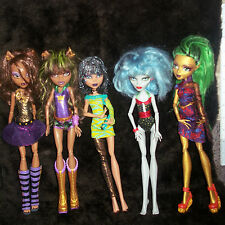 Monster High Lot of 5 Loose Doll Figure Dolls and Accessories and Clothes HUGE