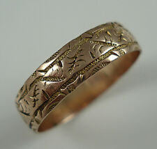 Victorian 9ct Gold Engraved Wedding Band Ring. Birmingham 1890