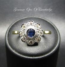 18ct Gold Sapphire and Diamond Daisy Cluster Ring Size Q 1/2 4.2g