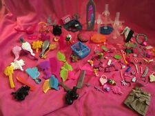 ��Massive Bundle Of Doll Accessories!! Stands, Brushes, Hats, Glasses Etc!��