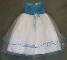 Beautiful Girls Dress Great For Easter Small Flowers & Zipper Back Size 4