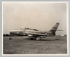 1950's REPUBLIC F-84F THUNDERSTREAK Vintage OFFICIAL US AIR FORCE Photo