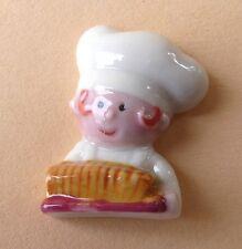 Fève Les Petits Gourmands au Travail - 2014 - Pâtissier avec un Cake
