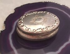 Beautiful Repoussé Oval Pill/Snuff/Trinket Box .800 Sterling Silver ITALY - L037