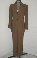 EMANUEL UNGARO NEAR-VINTAGE BLACK AND CARAMEL TEXTURED FINE REP-STRIPE PANT SUIT