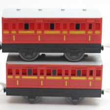 Thomas & Friends RED MUSTARD PASSENGER CARS Trackmaster 2006 HIT TOY
