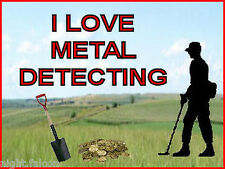 I LOVE METAL DETECTING KEYRING -DETECTOR KEYRING, GREAT GIFT. IMAGE SIZE 4.5x3.5