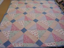 Pretty Multi-Color Hour Glass Pattern w/Sashing Quilt