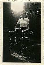 PHOTO ANCIENNE - VINTAGE SNAPSHOT - VÉLO BICYCLETTE CONTREJOUR MODE - BIKE LIGHT