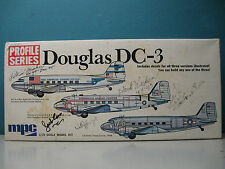 VINTAGE MPC PROFILE 1/72 DOUGLAS DC-3 #2-1512-150 signed by PILOTS