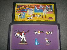 Britains Circus 08669 Dog handler & Performing Dogs MIB