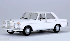 MERCEDES - BENZ 220/8 W115 white ( 1973 ) -- 1/43 -- IXO/IST -- NEW