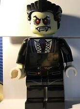 LEGO 5001353 Monster Fighters Lord Vampyre Minifigure Clock