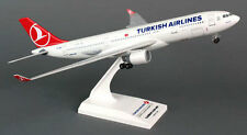 Turkish Airlines Airbus A330-200 1:200 SkyMarks Flugzeug Modell SKR743 NEU A330