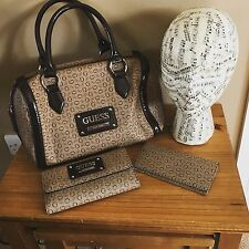 "RARE BRAND NEW DESIGNER ""GUESS"" PROPOSAL WITH MATCHING PURSE & NOTE WALLET"