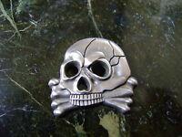 Silberfarbender Totenkopf-Abzeichen- Leibhusaren-