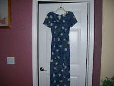 Ladies dress by Giorgio Fiorlini in a size 7, blue floral, pretty, great shape.