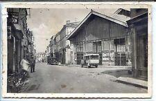 CP 17 - Charente-Maritime - Surgères - Rue Audry de Puyravault - Les Halles