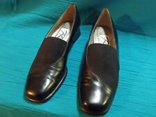 WOMEN'S SZ. 8 1/2 S ROS HOMMERSON STRETCH TOP BLACK LEATHER HEELS