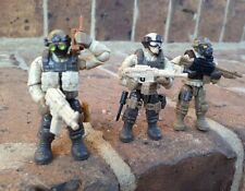 Mega Bloks 06825 Call of Duty Desert Troopers Figures # 1, 4, & 5