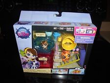LITTLEST PET SHOP DAY CAMP CAPERS HAS 3 PET SHOPS NEW IN BOX!!!!!