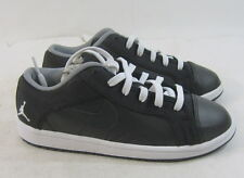 New! NIKE Boys 441133 001 black/white lace up shoes   SIZE  2Y