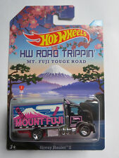 Hot Wheels 1:64 Road Trippin - Hiway Hauler 2. Brand new