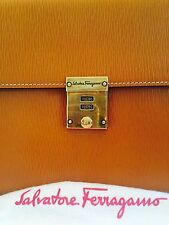 Look Salvatore Ferragamo Lock It Clutch Handbag/Purse/Wristlet Bag Beige Leather