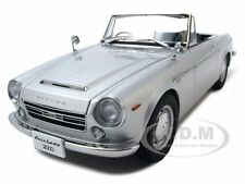 DATSUN FAIRLADY 2000 SR311 SILVER 1:18 DIECAST MODEL CAR  BY AUTOART 77432